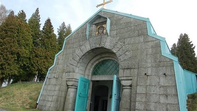 Mauzoleum v Jindřichovicích.