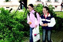 Děti na základních školách mají poslední možnosti opravit si známky. 21. června jsou totiž pedagogické rady.