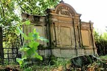 Hrobka rodiny Gaschů se v Chodově dočká obnovy.