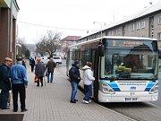 Pondělím začíná platit novinka pro platby jízdného v autobusech společnosti Autobusy Karlovy Vary