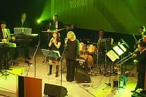 STO. Tolik let od svého vzniku letos oslavil Wieland. A tak se také jmenuje orchestr, který na akci hrál nejznámější hity.