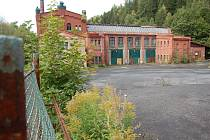 KRASLICE už začaly s úpravami historické továrny, kde vznikne třídírna odpadu.
