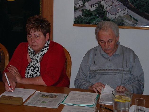 Nové vedení Svatavy. Starosta Václav Kasl a místostarostka Olga Gossová (oba KSČM)