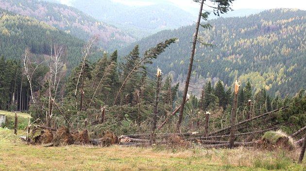 Vichřice zdevastovala skicentrum v horské Bublavě.