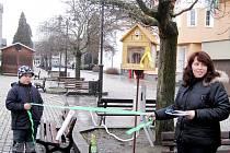 SLAVNOSTNÍ otevření miniknihovny proběhlo v Chodově v sobotu. V republice ale první není, podobnou mají například ve Frýdku-Místku.