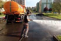 Sotes při mytí sokolovských ulic