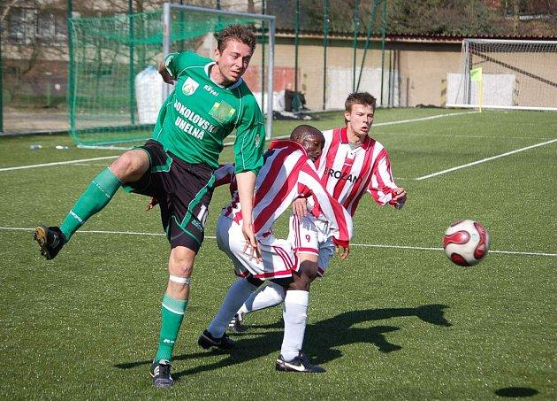 Dvě branky v utkání vstřelil útočník David Rojka (v zeleném) jako přes kopírák.