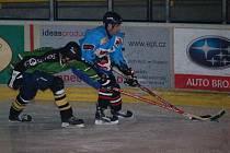Hokej.