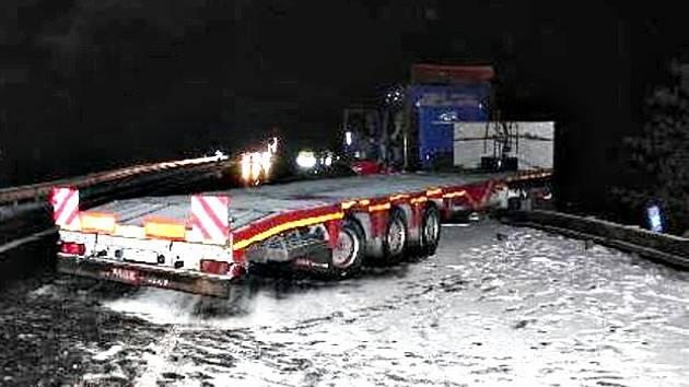 Nehoda kamionu u Žalmanova.