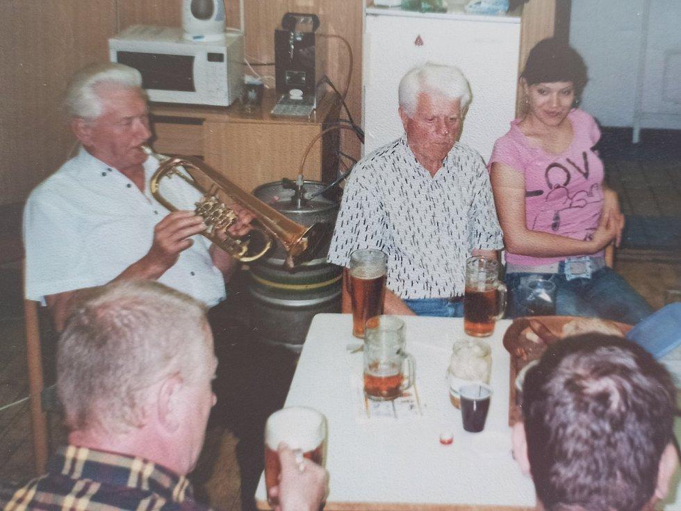 """Myslím si, že muzika zajímá každého člověka,"""" říká oslavenec Jan Zmrzlý"""