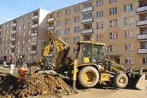 PRVNÍ FÁZI rekonstrukce má sídliště za sebou již z loňského roku, teď přijde na řadu jeho další část.