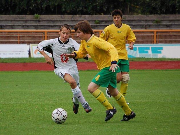 Staší žáci Baníku Sokolov prohráli gólem v poslední minutě hry.