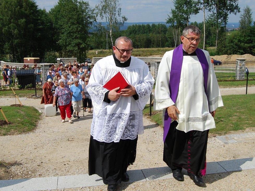 Svěcení hřbitova v Březové