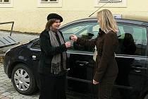 Pro pečovatelskou službu je každá podpora důležitá. Nyní má k dispozici nový automobil.