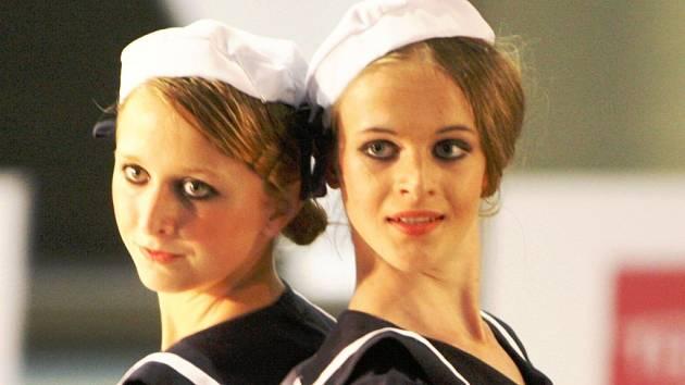 Pro Markétu Jandovou (vpravo) je tancování zábavou.