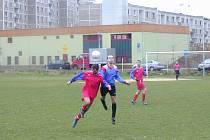 Z utkání Loket B - Oloví (1:2).