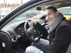 KLIENT Martin si nedávno udělal řidičák, také se pilně připravuje na maturitu.