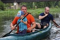 Řeka Ohře slavila zejména 13. ročníkem vodáckého závodu O pohár Povodí Ohře. Návštěvníci se dobře bavili u kynšperské dřevěné lávky.
