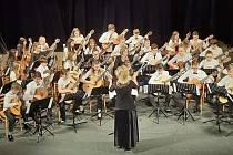 Koncert kytarových orchestrů ve Františkových Lázních.