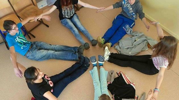 Žáci ZŠ Běžecká v Sokolově při kreativním vzdělávání