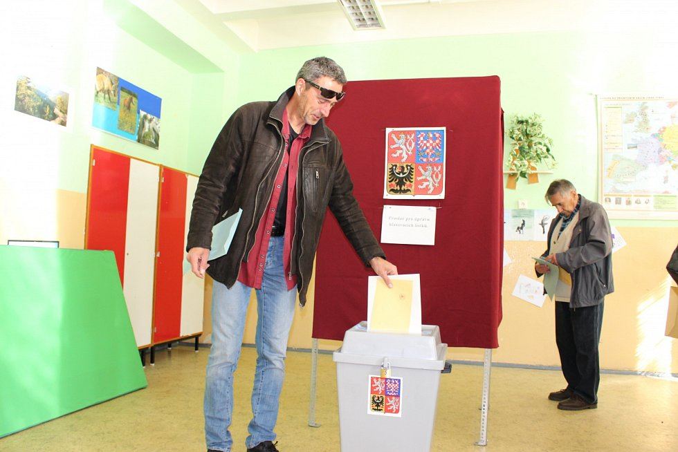 Na Sokolovsku odvolili kandidáti na post senátora.