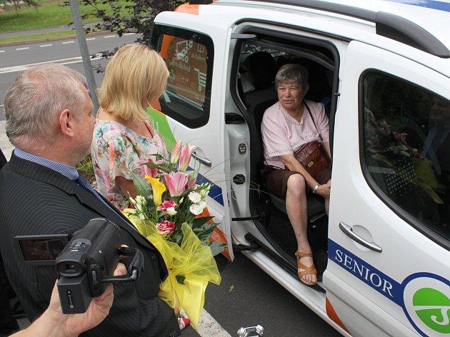 Senior Expres zavedli jako první v Sokolově, kde se další města a obce při zavádění této služby inspirují.