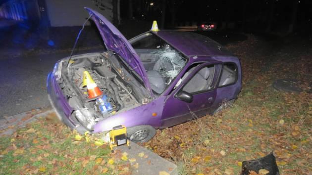 Řidič boural ve Slavkově s třemi promile. Pak skončil na záchytce.