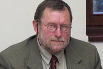 Starosta Kraslic Zdeněk Brantl.