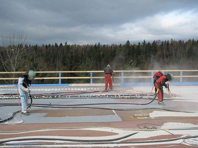 Rekonstrukce mostu přes řeku Ohři u Sokolova.