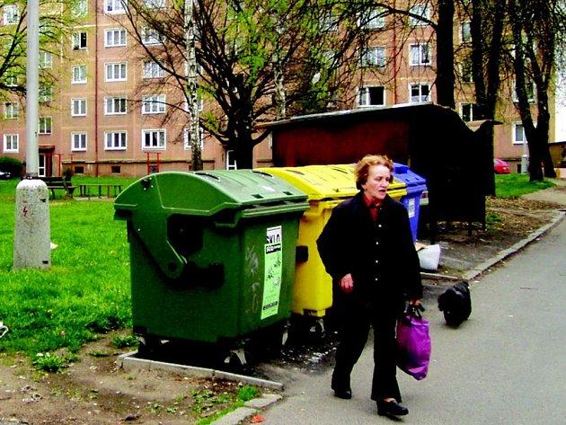 Úpravy vnitrobloku ve Wolkerově ulici v Sokolově budou stát více než 6 milionu korun.