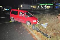 Sokolovští policisté pátrají po svědcích dopravní nehody.