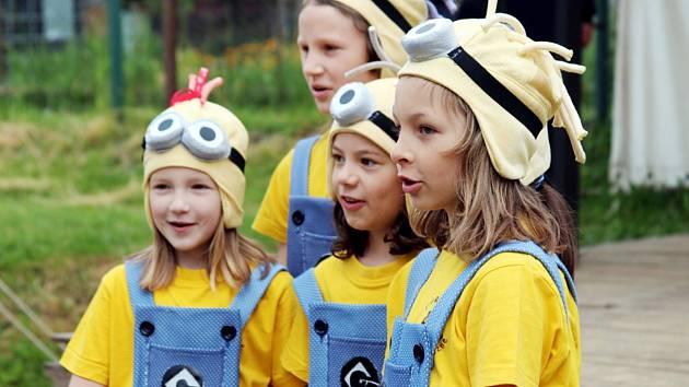 ÚSTŘEDNÍM motivem závodů byli mimoni z animovaného filmu Já, padouch. Skauti tak oblékli mimoňské kostýmy.