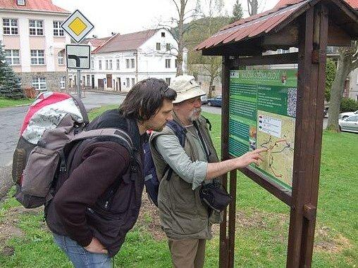 Otevření naučené stezky v Oloví.