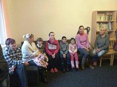Studenti uspořádali sbírku pro azylový dům.