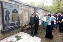 ODHALENÍ pamětní desky v Sokolově
