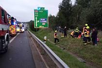 Nehoda osobního auta na silnici D6.