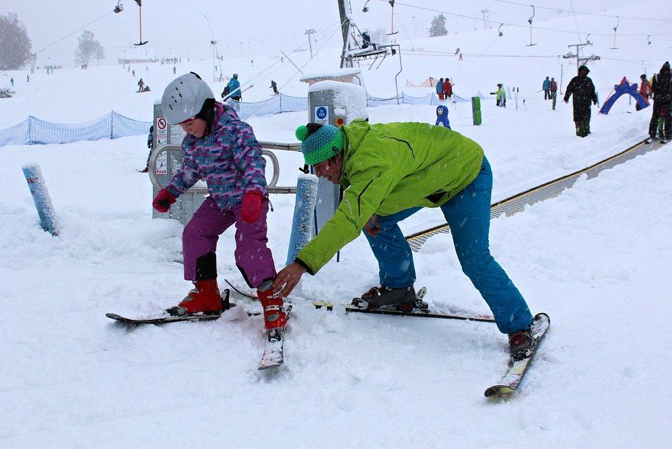 Víkendové lyžování v horské Bublavě.
