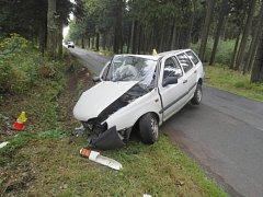 Riskantní jízdy opilců skončily nehodami, jeden se těžce zranil.
