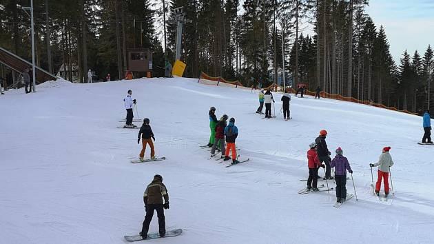 Na Sokolovsku se lyžuje už jen na Bublavě.