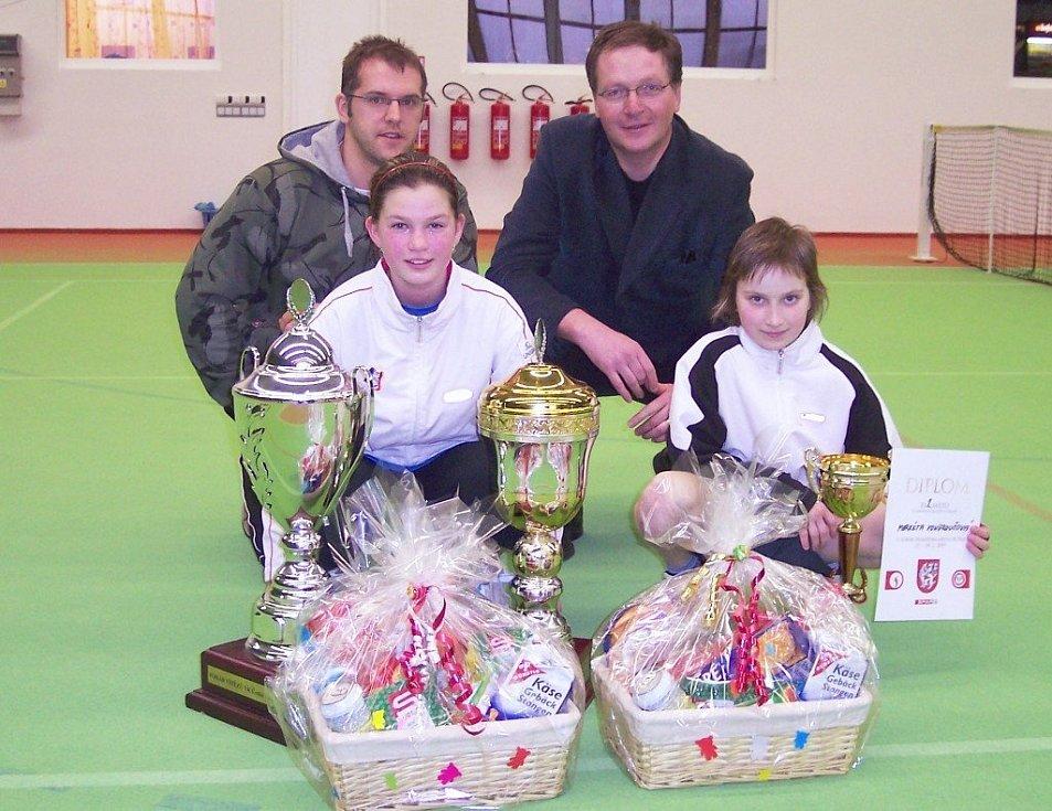 ROK 2009. Markéta Vondroušová (zcela vpravo) na turnaji v České Kamenici.  Foto: Jiří Ondečko