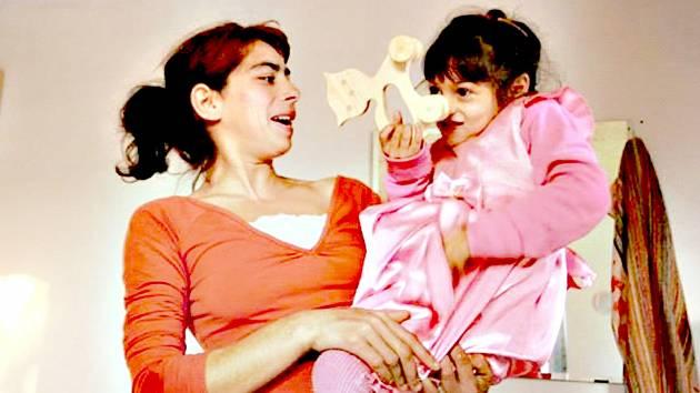 Mária s malou Maruškou ve svém novém domě