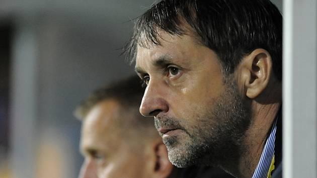 Druholigoví fotbalisté mají nového hlavního trenéra. Vedení klubu se dohodlo na spolupráci s šestačtyřicetiletým Františkem Šturmou, jenž má zkušenosti nejen z českých dvou nejvyšších soutěží, ale také ze slovenského fotbalu.