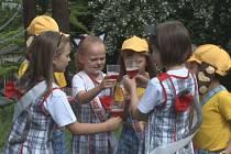 Školní slavnost, loučení s předškoláčky.