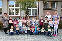 Slavkovské děti ukončily projekt Knížka pro prvňáčka.
