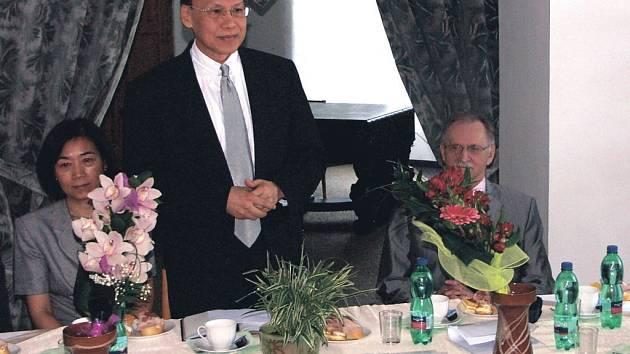Zastupitel Tchajpejské hospodářské a kulturní kanceláře v Česku seznámil představitele politického a ekonomického života našeho regionu s perspektivami vzájemné spolupráce.