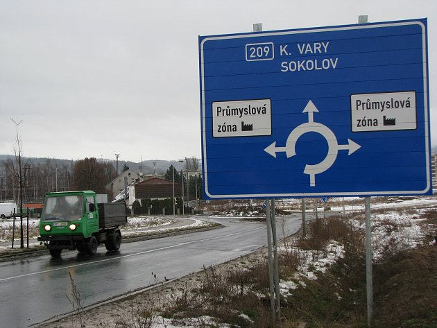U NOVÉHO SEDLA na Sokolovsku vzniká nová průmyslová zóna. Ke stejnému účelu jsou určené i upravené a zasíťované pozemky Sokolovské uhelné směrem na Družbu.
