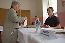 K VOLEBNÍM urnám do Evropského parlamentu přišlo na Sokolovsku jen 11,93 procenta voličů.
