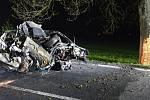 Po nehodě začal vůz hořet, na místě zemřel řidič