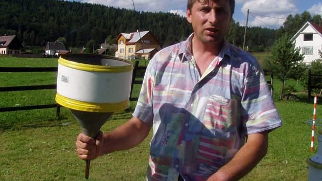 Šindelovský pozorovatel počasí Rudolf Kovařík.