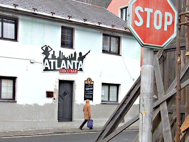 DISCO Atlanta musí i nadále zavřít úderem půlnoci.
